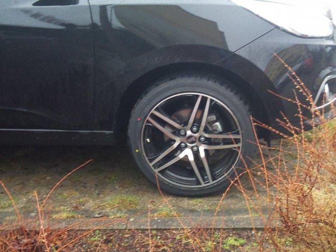 19 Zoll MAM RS2 bei Regen